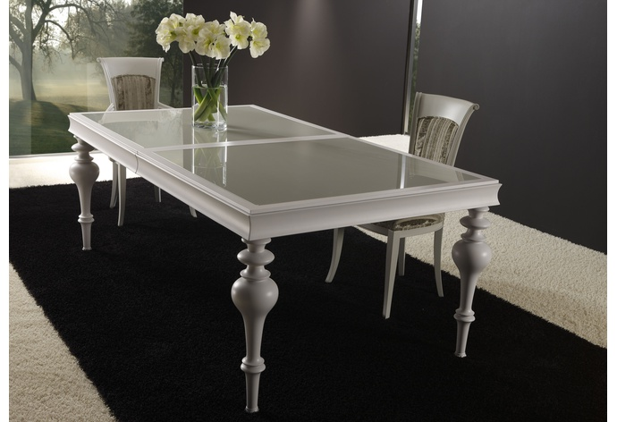 Savoy I Carved Leg Extension Dining Table