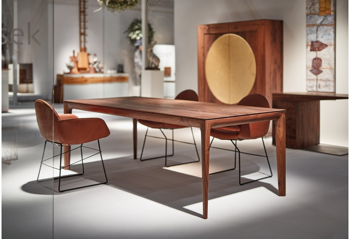 Fira Dining Table