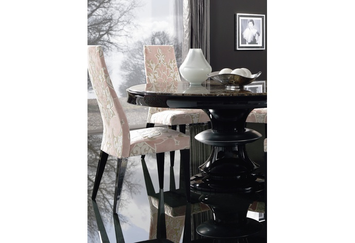 Savoy II Round Dining Table